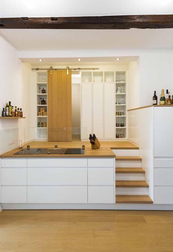 Quando não se tem espaço, qualquer lugar é ideal para montar a cozinha