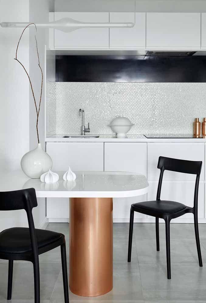 Olha como a cozinha fica linda com ladrilhos brilhosos