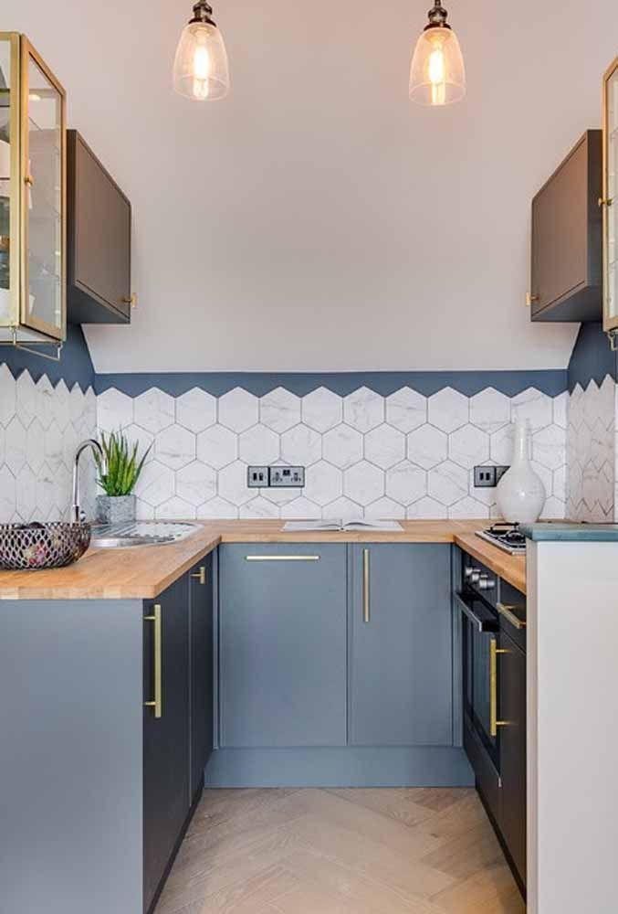 O revestimento da parede pode ser o grande destaque da cozinha
