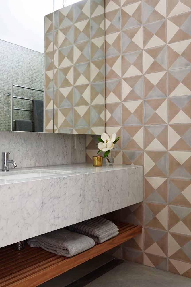Combine as cores da parede com as demais cores presentes na decoração