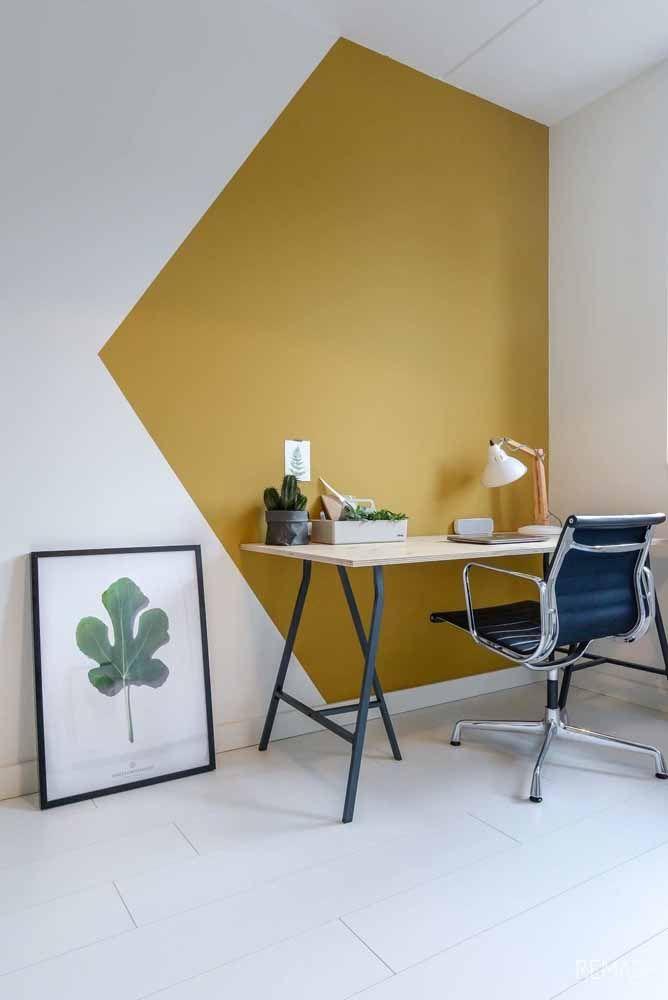 A área de trabalho foi devidamente sinalizada pela forma geométrica colorida na parede