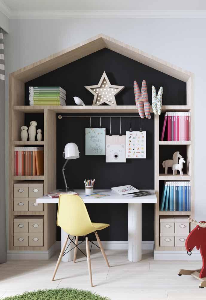 Um nicho charmoso, funcional e que se encaixa perfeitamente no quarto