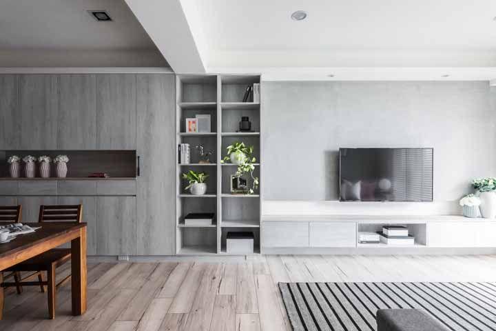 Dois ambientes marcados e divididos pelos nichos na parede