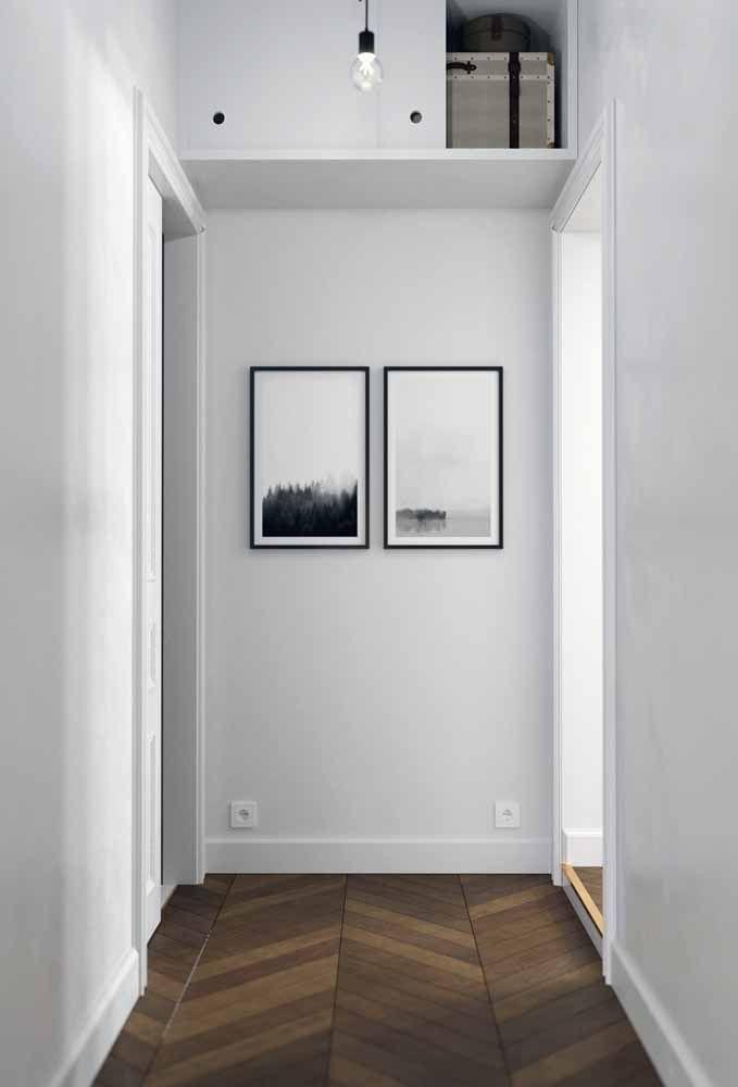 Aquele espaço no corredor bem que pode servir para alguma coisa não é?