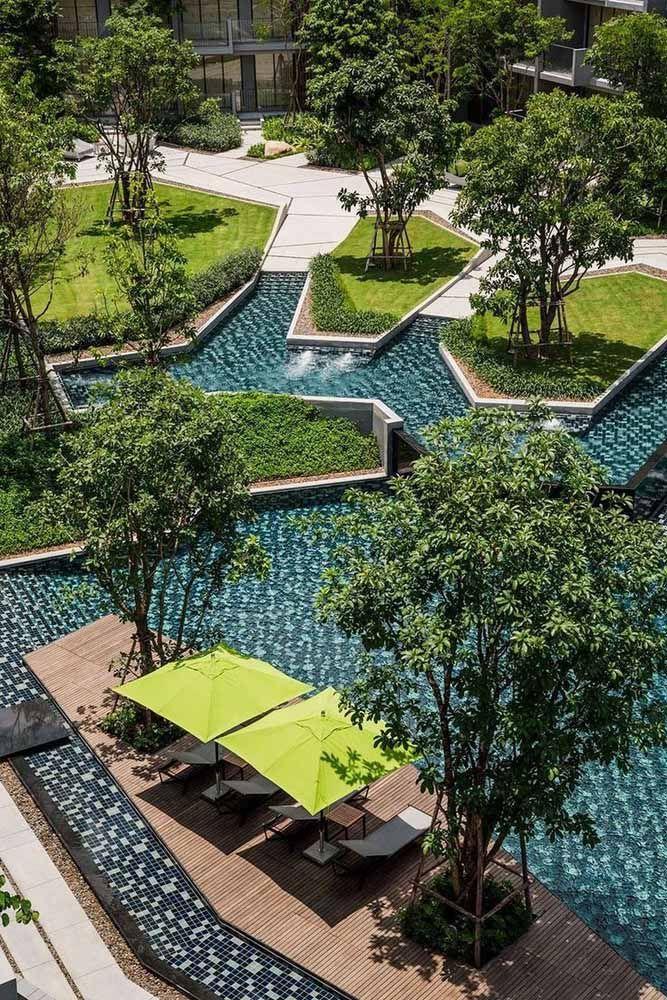 As formas geométricas são o destaque desse projeto de paisagismo urbano