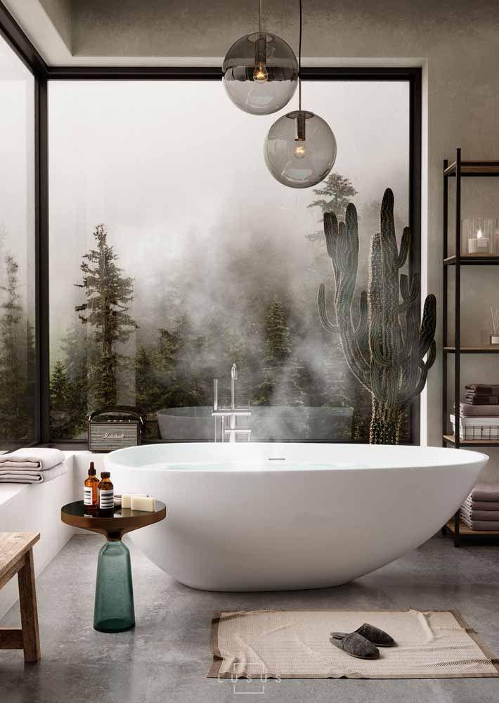 Um cacto de grande proporção que absorve todo o vapor do banheiro