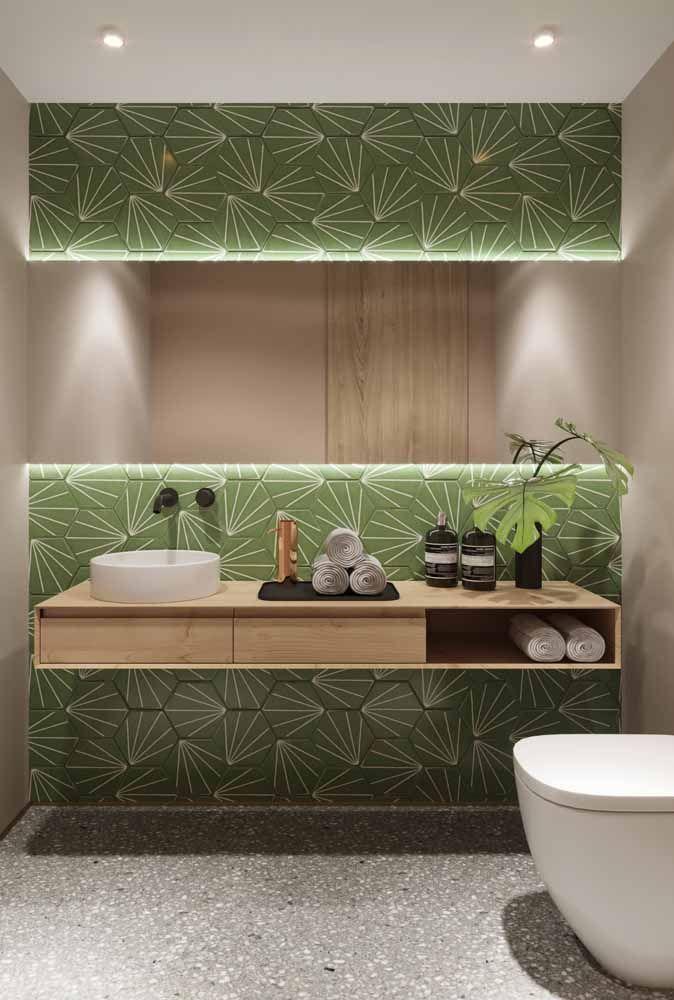 Unida ao revestimento da parede, essa solitária folha de costela de adão dá um toque especial a decor