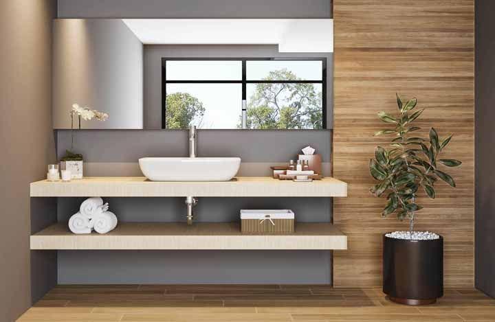 Para os banheiros maiores, opte por uma peperômia no chão