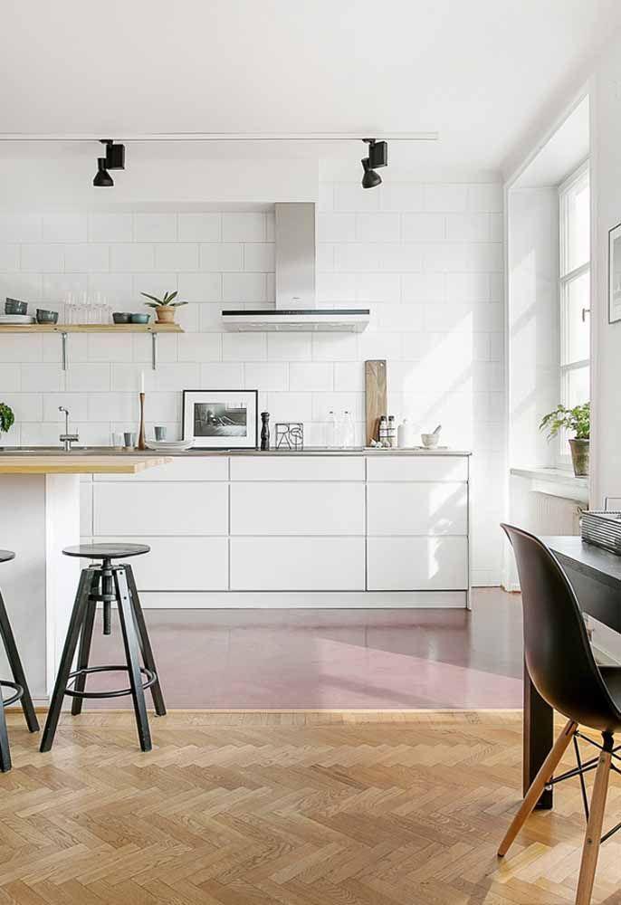 Piso epóxi demarcando os ambientes da casa