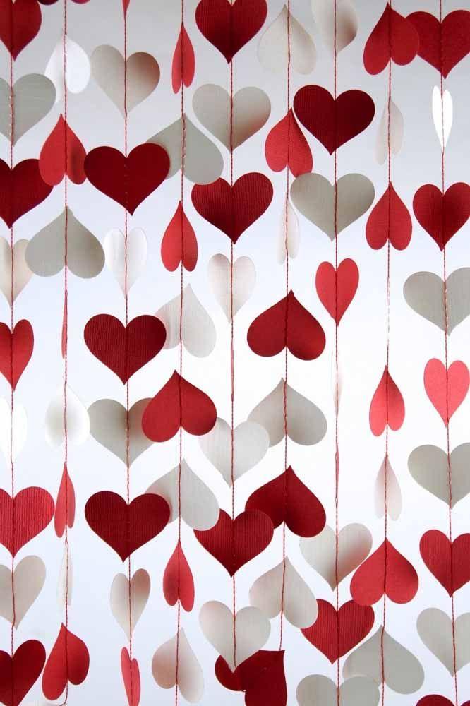 Vermelhos, brancos e a luz difusa que passa pela cortina cria esse efeito incrível que você está vendo