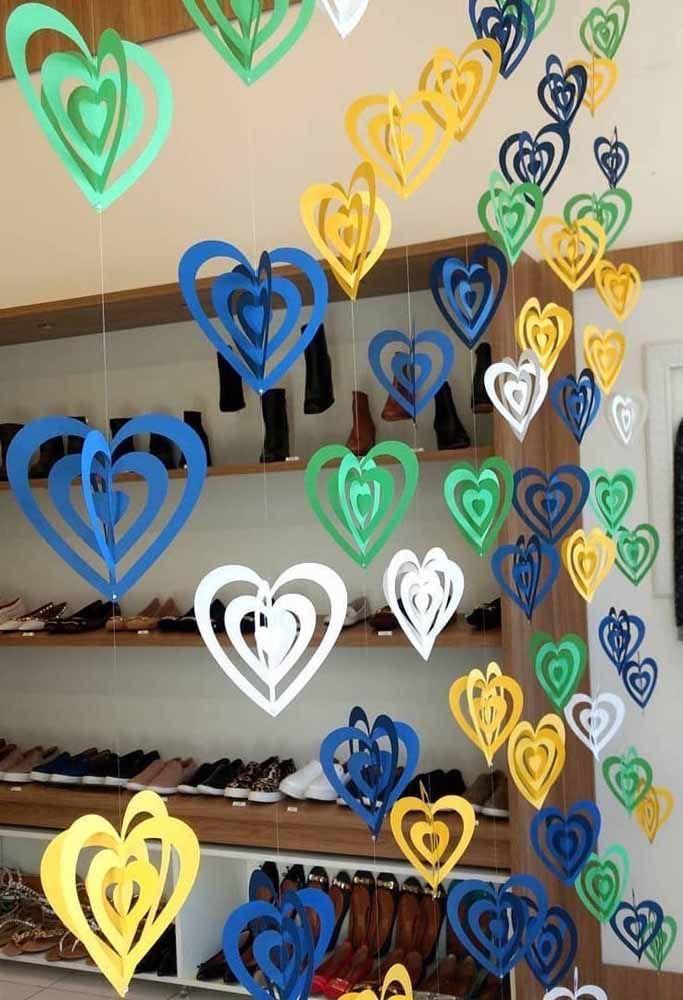 Cortina de coração 3D com a cara do nosso Brasil