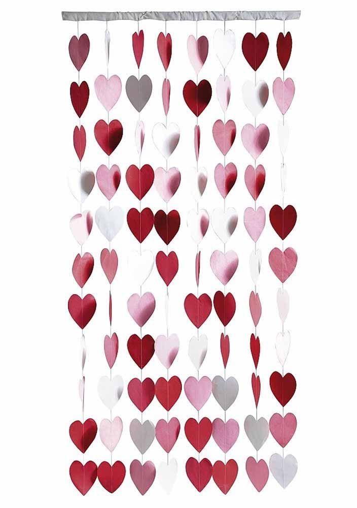 Não se esqueça de caprichar no suporte para a cortina de coração