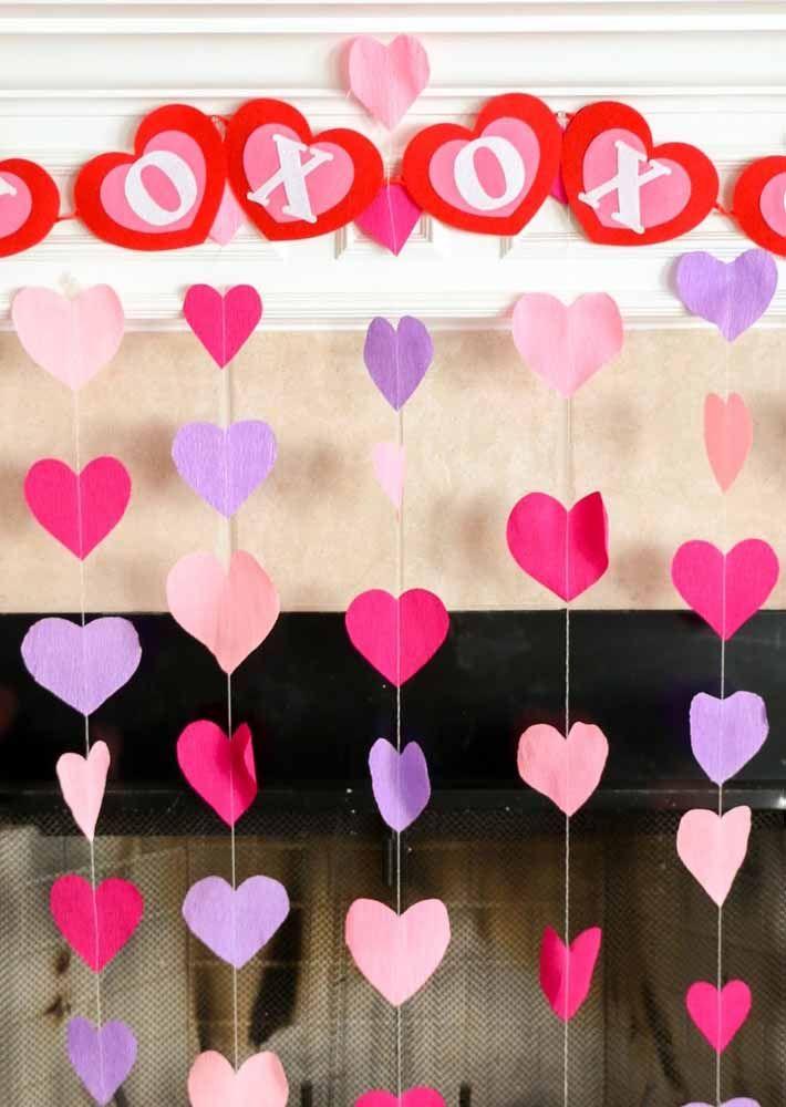 O barrado superior da cortina pode ser usado para escrever o nome dos noivos ou do aniversariante