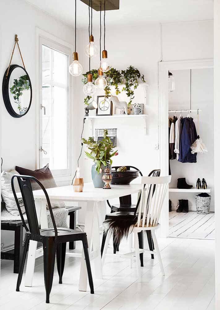 O branco e preto do estilo escandinavo marcando presença na decor hygge