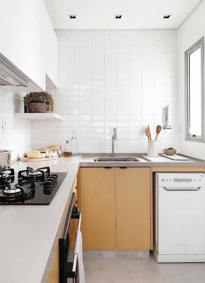 Azulejos brancos de metro para a cozinha