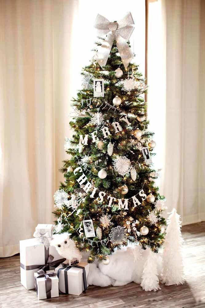 Capriche na decoração da árvore de natal