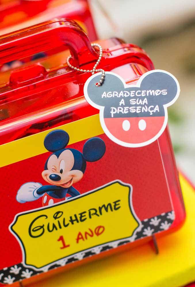 A caixinha vermelha no formato de mala vai ser a grande sensação da festa com o tema Mickey
