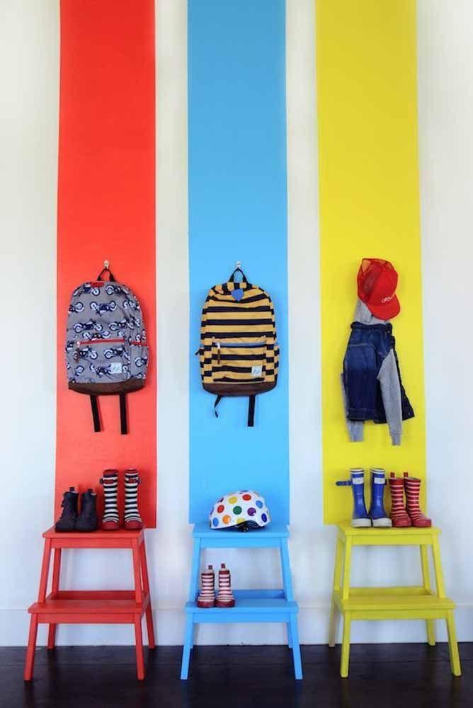 Decore, organize e brinque ao mesmo tempo, como? Fazendo uma faixa de cor na parede para cada criança