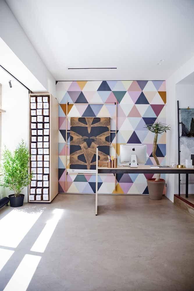 Parede geométrica colorida; faz ou não faz a diferença na decoração?