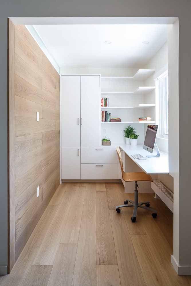 Os modelos suspensos de escrivaninha são ótimos para poupar espaço e deixar o ambiente mais clean e amplo visualmente