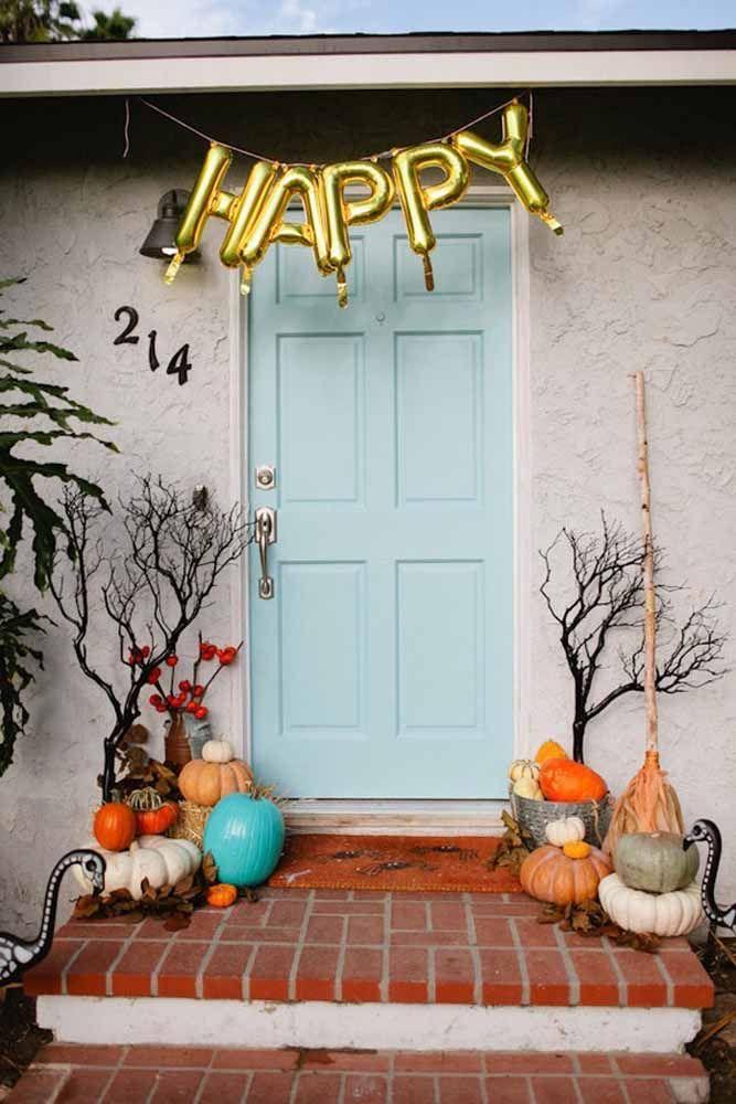 Aboboras, vassouras e o desejo de um feliz Halloween para quem chegar