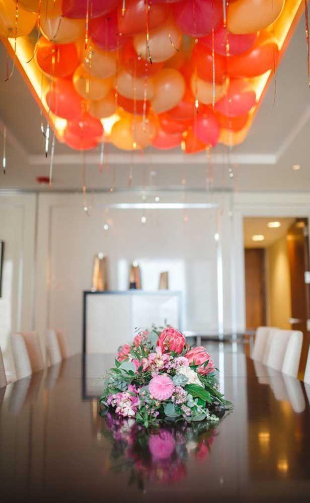 Balões no teto: até em comemorações de bodas eles se encaixam
