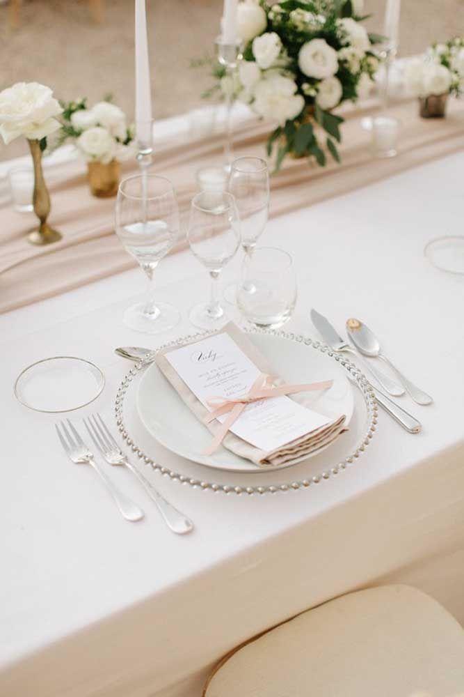 Aproveite o momento da refeição para fazer um brinde aos próximos anos de casados