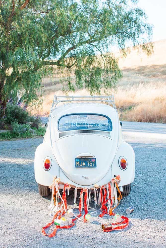 Ainda tem o carro de quando casou? Use-o na comemoração de aniversário de casamento