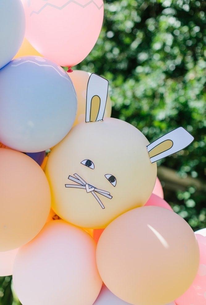 Personalize os balões de forma bem artesanal