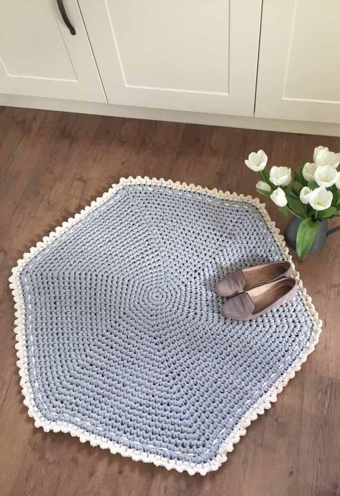 Procurando por algo diferente? Que tal se inspirar nesse tapete de crochê em forma de hexágono?