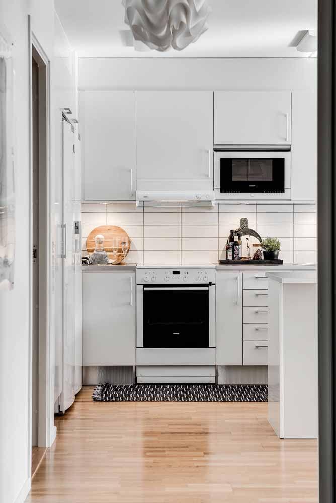 Tapete de crochê preto e branco: simples, mas capaz de deixar a cozinha elegante e charmosa