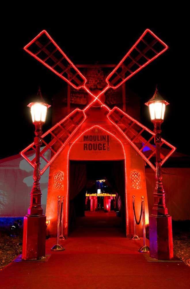 Moulin Rouge! O musical que virou filme é o tema dessa festa