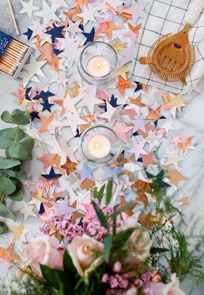 Olha o que estrelinhas de papel podem fazer pela decoração da festa