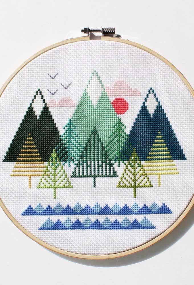 O clima das montanhas desenhado no bordado