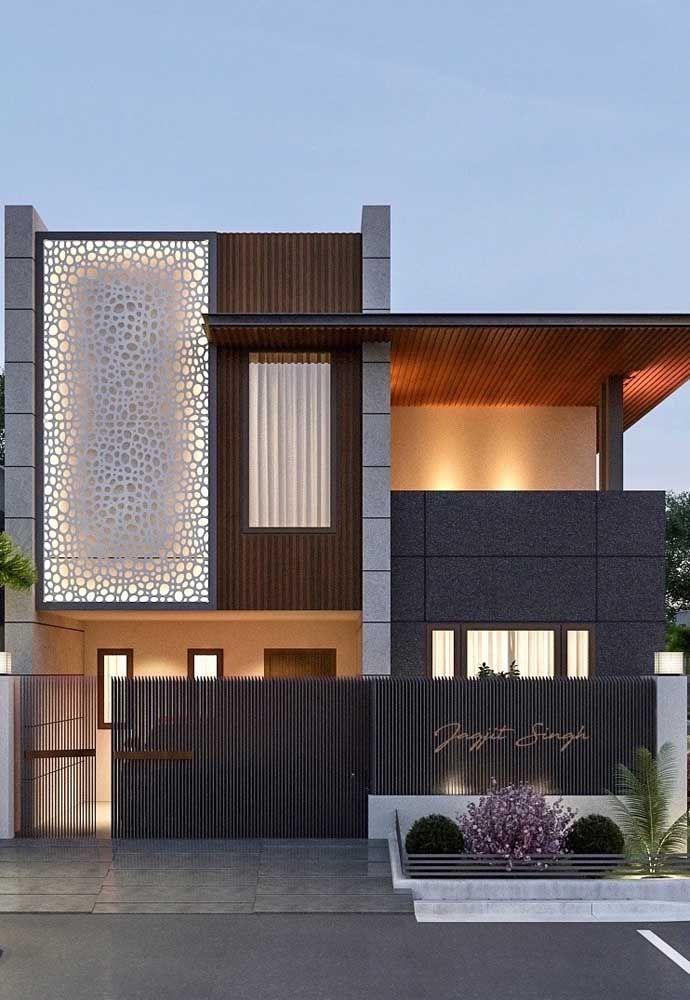 A parede translúcida cria um efeito incrível na fachada da casa