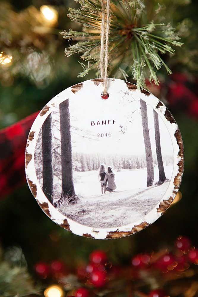 Que tal colocar na árvore de natal os bons momentos do ano que se encerra? Use CDs para fazer isso