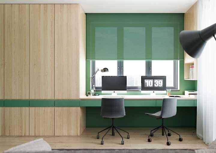 Calma e tranquilidade: essa é a sensação que a combinação entre madeira clara e verde traz ao ambiente