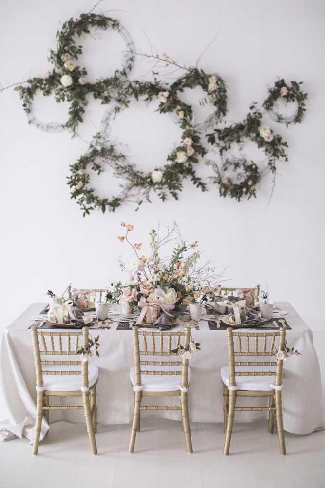 Arcos floridos para decorar a parede