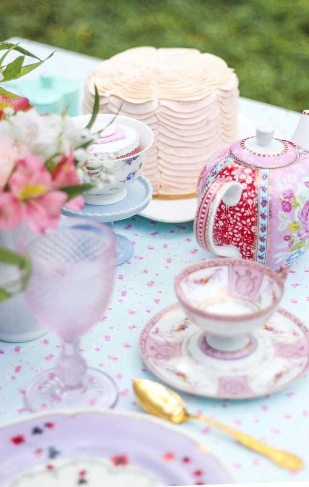 Romântica, delicada e muito feminina: essa é a alma da festa Jardim Encantado