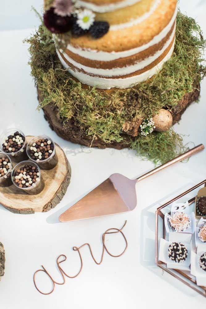 Uma ideia de bolo rústico para a festa Jardim Encantado