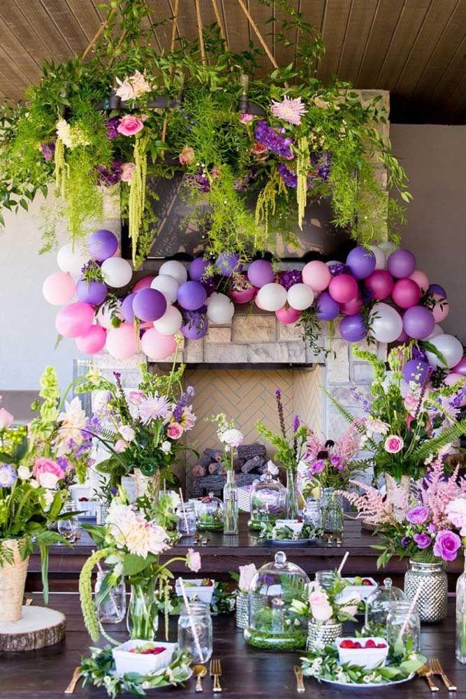 Festa Jardim Encantado nas cores branco, lilás e verde