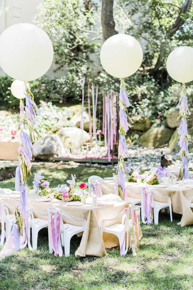 Aposte nos balões para completar a decoração e trazer aquele lado lúdico e divertido para a festa Jardim Encantado