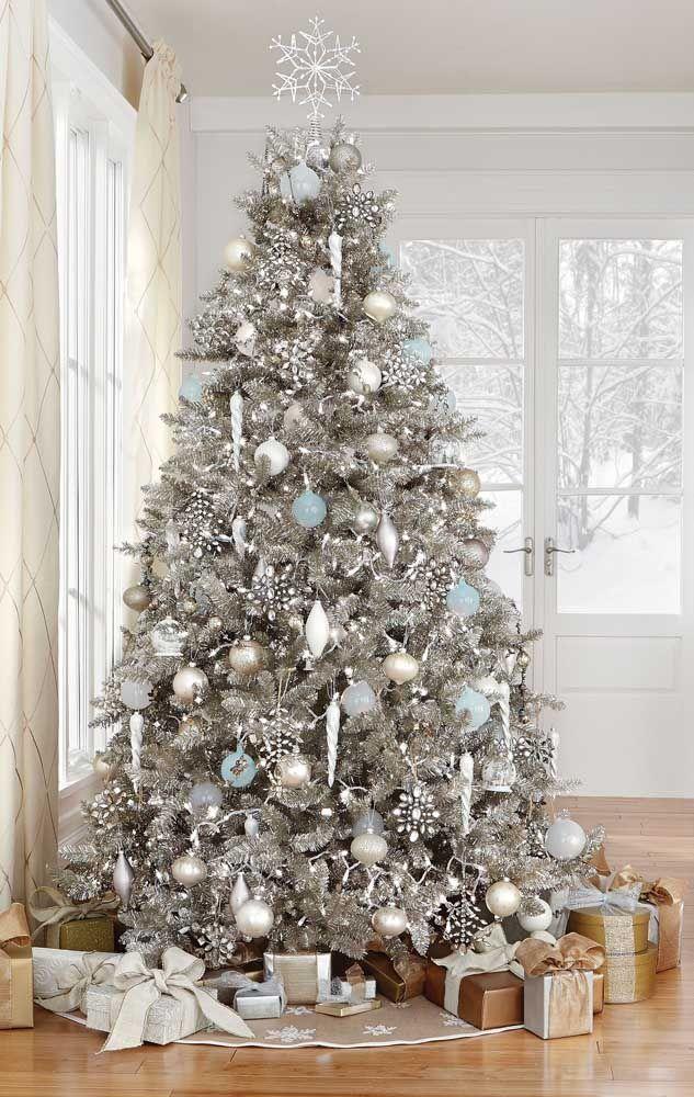 A típica árvore de natal que habita o imaginário de crianças e adultos