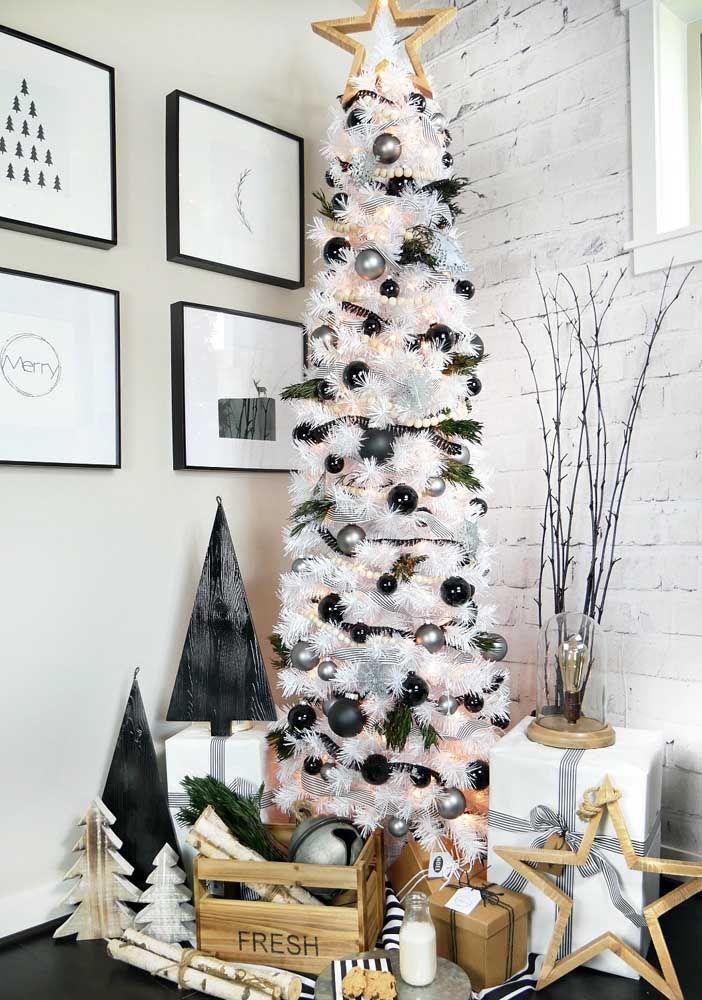 Um cantinho especial embaixo da árvore só para colocar os presentes