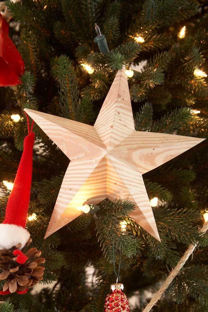 Você pode usar as estrelas no corpo da árvore também