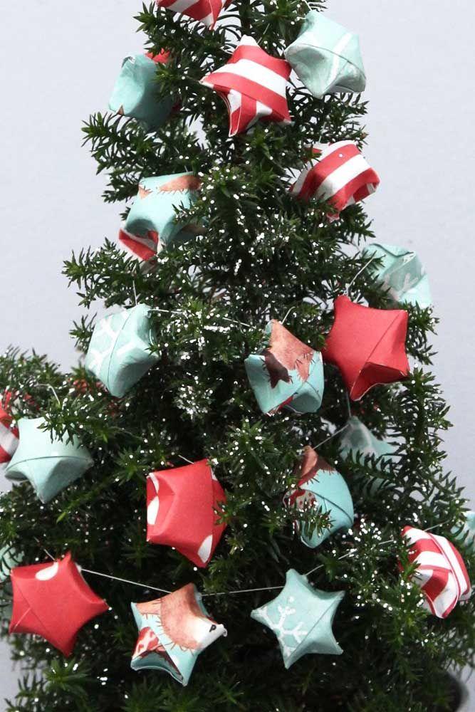Uma árvore de estrelas...só de estrelas e de papel