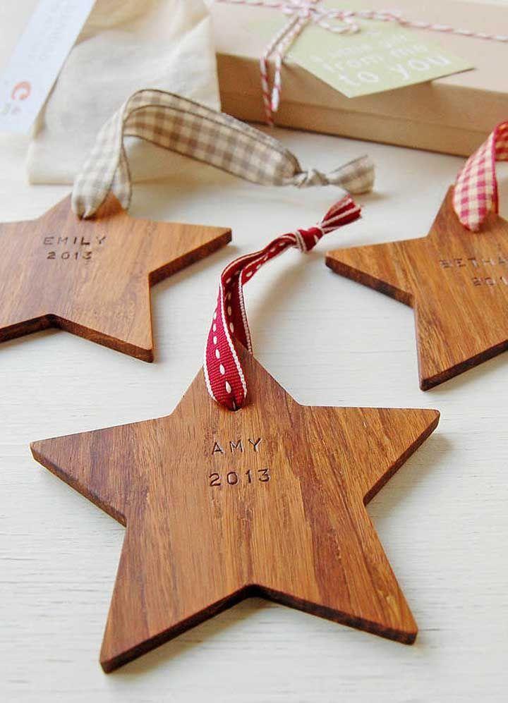 Em madeira, a estrela de natal é um charme