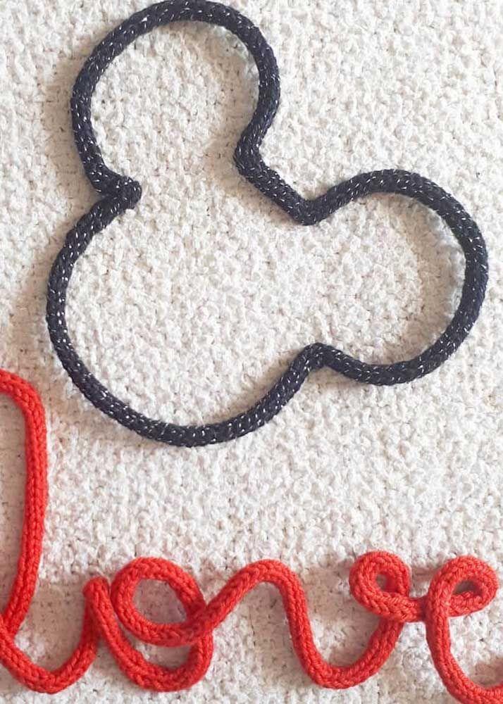 Que tal um Mickey Mouse em tricotin?