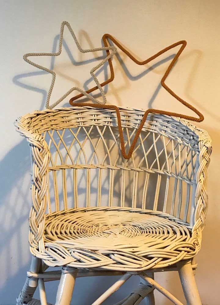 Estrelas de tricotin para colocar onde quiser
