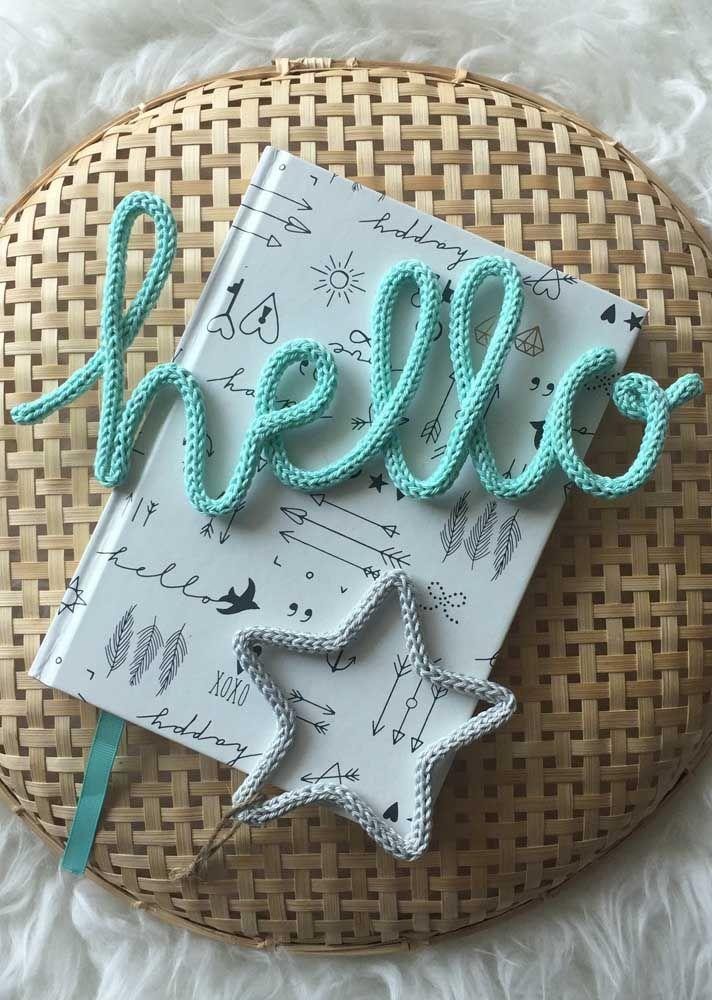 Decore capas de cadernos, agendas e apostilas com o tricotin